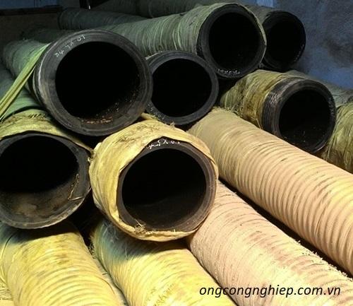 Tìm hiểu quy trình sản xuất ống hút cát cao su